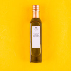 Extra Virgin Olive oil with white truffles
