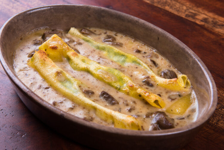 Cannelloni with porcini mushrooms